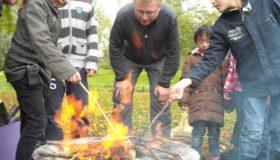 De Natureluur kruiden hazelnoten boter broodjes-vuurtje verhalenfeestje